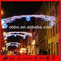 marco de alambre de navidad con motivos de luz
