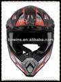 carreras de casco de moto de los hombres