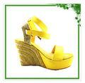 2013 de moda de alto tacón de cuña alpargatas sandalia