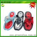 nuevo diseño de sandalias planas y traviesas