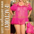 womans sexy rojo de la rosa ver a través de camisón transparente muñeca del sexo