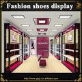 pared de madera vitrina para mujeres tiendas de zapato decoración