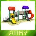 quintal de equipamentos de ginástica para crianças