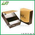 hauteur à la main boîte à cigares en bois