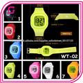 yiwu 2014 7 proveedor de color disponibles nuevo chico de silicona reloj