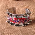 carácter bella dama del remache miao brazalete de plata