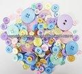 Botones de la moda en colores pastel para los artes de la manía