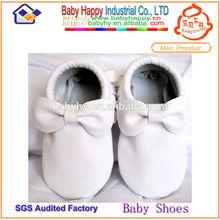 de cuero zapatos de bebé