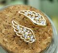 La moda de europa Arete con cristal en forma de alas