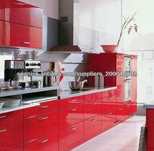 gabinete pintado de la cocina