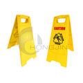 precaución piso mojado signo