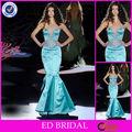 Amor profundo atractivo rebordeó el vestido de noche azul de cola de pescado