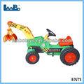 Los niños viajan en digger, para niños paseo en el juguete del cargador, tractores para el cabrito