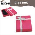 estilo tapa de la caja de cartón de regalo con lazo de cinta