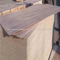 La madera contrachapada