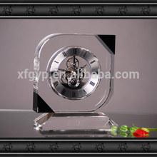 pequeño cristal de reloj de escritorio
