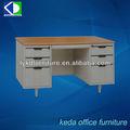 escritorios de oficina, escritorio de la computadora, mesa de oficina