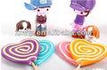 remolino de colores del arco iris de san valentín dulces en forma de corazón lollipop