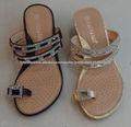 nuevo zapato de diseño felices sandalias pies