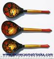 Cucharas de madera artesanales, estilo hohloma, decoracion y artesania de Rusia