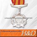 Brilhe troféus de prata e porcelana medalhas