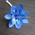 hecho a mano pintada de color azul sola flor de madera