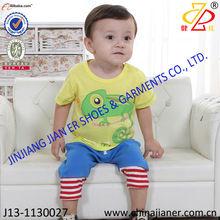2014 nuevo estilo de algodón 2 pc fijadas al por mayor de ropa para niños niño ropa hermosa