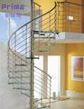 Escada em espiral de vidro