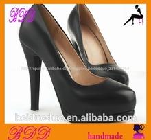 negro zapatos de vestir de las mujeres