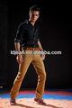 Venta al por mayor 2014 color skinny jeans de mezclilla de la motocicleta pantalones para hombre pantalones color burdeos