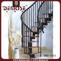 El cliente escalera de hierro forjado design| escalera de caracol