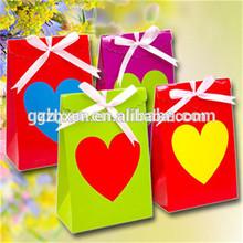 personalizados hechos a mano de color diferente de la boda bolsa de caramelos con la cinta para decorar