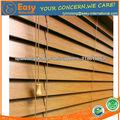 cálido y acogedor cubiertas de la ventana de madera del faux persianas en madera de roble acabado de color