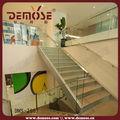 Utiliza las escaleras de metal/comerciales escaleras de metal