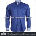 hombres camisa azul