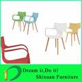 pernas de madeira cadeira de plástico moderno