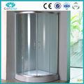 Cuarto de ducha con vidrio transparente