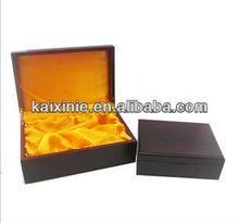 wooden box corner