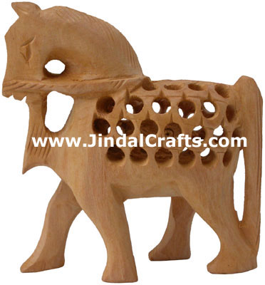 Carvings Of Animals. Carved Wooden Animals