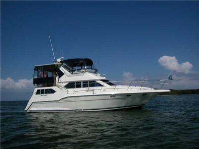 1994 42' 3850 Cruisers INC Aft Cabin Motor Yacht