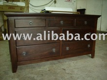 Colonial 7 Drawers Dresser