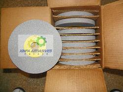 Cut& polish unitized wheel