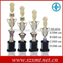 custom made troféu especial de plástico esportes troféus fabricado na china