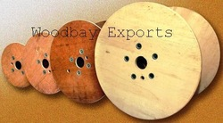 Plywood reels of different sizes