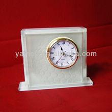 2013 White Wholesale Custom Mini Acrylic Antique Desk Clock