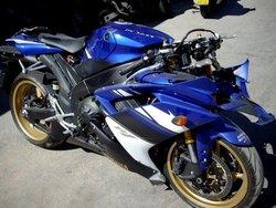 YAMAHA MOTORCYCLE WITH DAMAGED