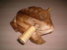 Wooden_Croaking_Frog_Handmade_Wood_Carved_Animals.jpg