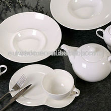 Factory directly supply 32pcs Porcelain Dinnerware/ Crockery dinnerware
