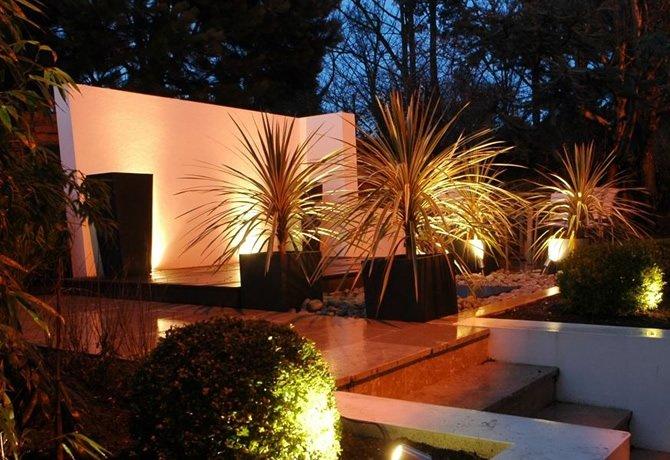 clairage ext rieur pour jardin pelouse tangs etc. Black Bedroom Furniture Sets. Home Design Ideas