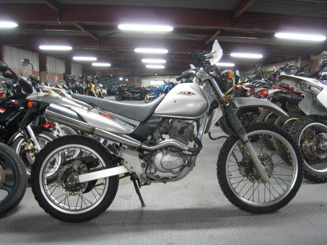 Motocicleta japonesa usada Honda SL230